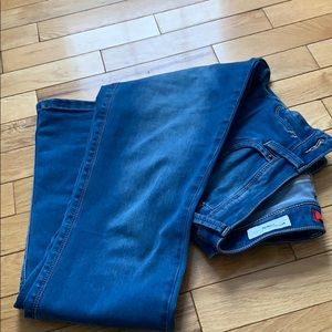 Guess Medium Rise Slim Boot Jeans